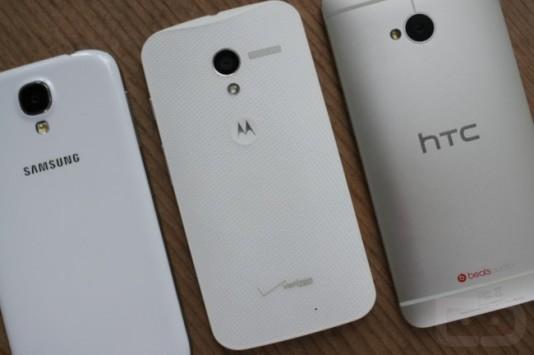 Moto X  Galaxy S4  HTC One