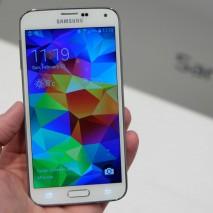Finalmente ci siamo, Samsung ha presentato da pochi minuti il tanto atteso Galaxy S5. Il nuovo smartphone di punta dell'azienda sud-coreana è realtà, ma purtroppo ciò che ci eravamo augurati che accadesse in questo articolo di ieri non è accaduto. […]
