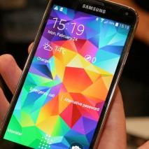 """Samsung non si ferma più, continua la sua insistente campagna pubblicitaria dedicata al nuovo Galaxy S5 e denominata """"The Next Big Thing is Here"""", letteralmente """"La prossima grande cosa è qui (non c'è bisogno di aspettare il nuovo iPhone)"""". Questa […]"""