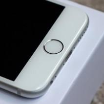 Iniziano a circolare in rete i primi rumors relativi all'iPhone 7, il futuro smartphone che Apple presenterà a settembre 2016. Secondo l'analistaGene Munster dellaPiper Jaffray, una delle personalità più attendibili quando si parla dell'azienda di Cupertino, la mela morsicata presenterà […]