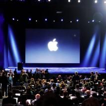 Poche ore fa, dopo settimane di attesa e di indiscrezioni, finalmente Apple ha presentato i suoi nuovi dispositivi. Grandi protagonisti dell'evento organizzato dall'azienda californiana sono statiiPhone SE e iPad Pro da 9.7 pollici, inoltre la mela morsicata ha annunciato nuovi […]